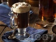 Класически ирландско кафе с уиски